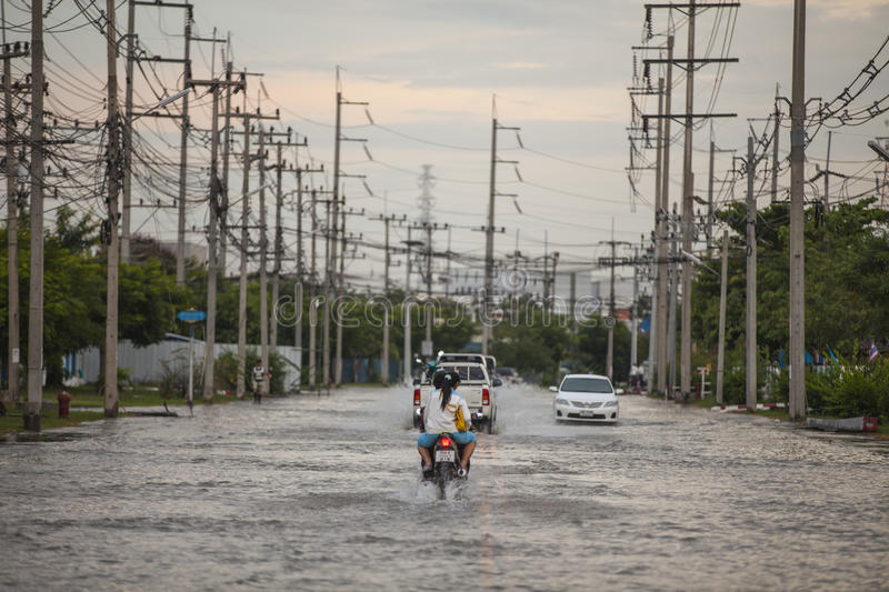 Download Water Flooding Attack To Amata Nakorn Industrial Estate Editorial Stock Photo - Image: 34476288