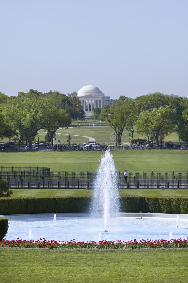Water Fountain On South Lawn Of White House Editorial Stock Image
