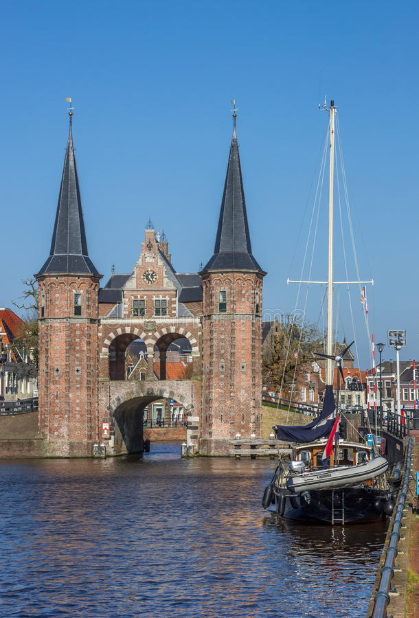 Free Water Gate And Ship In The Historical City Sneek Royalty Free Stock Image - 70814936