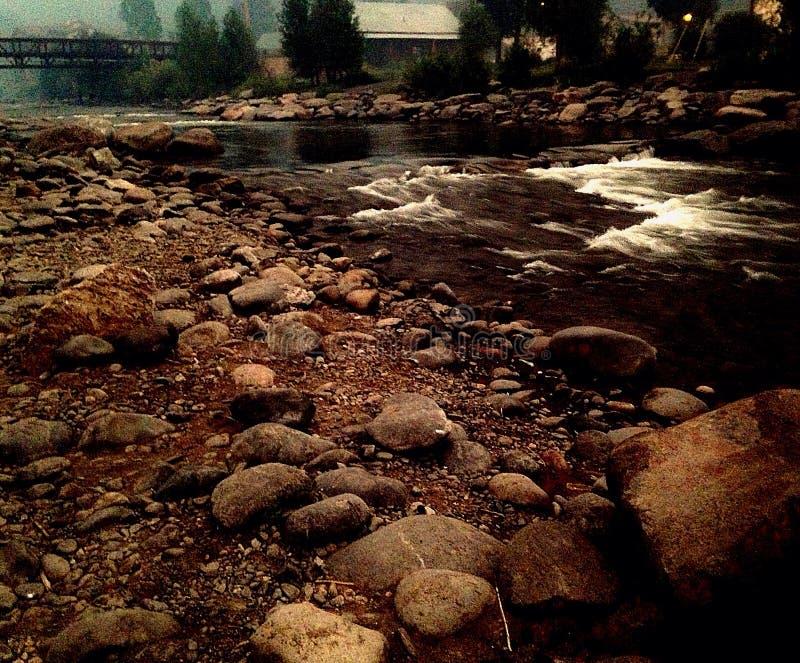 Water met Stenen stock afbeelding