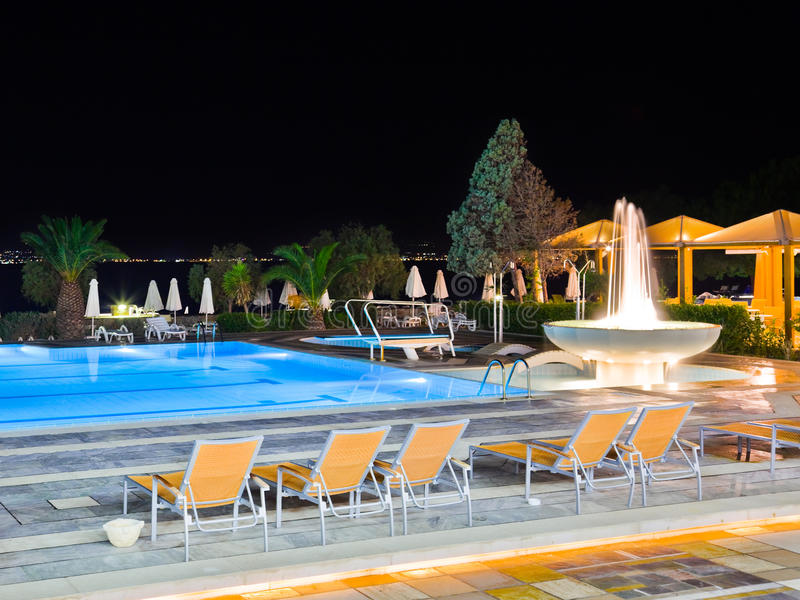 Download Water Pool And Fountain At Night Stock Photo - Image: 17868408