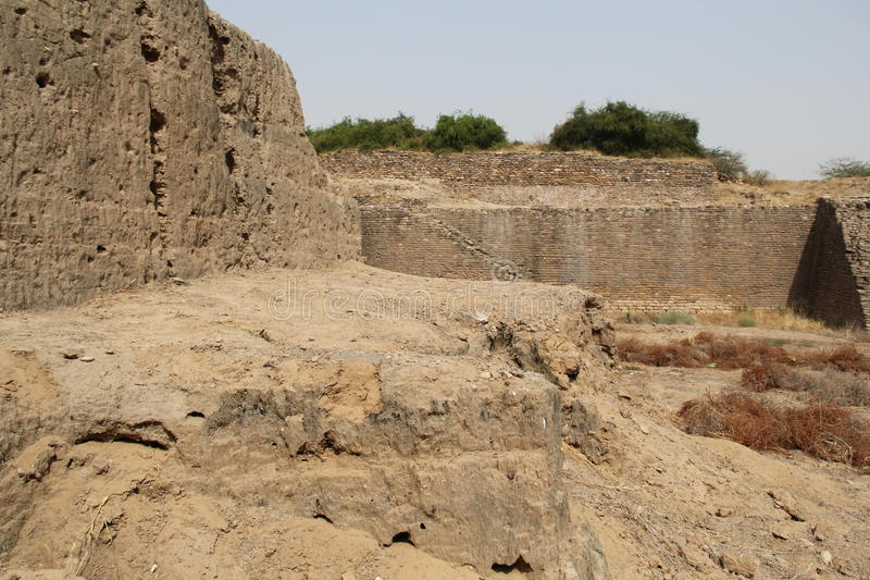 Download Water Reservoir Of Harappan Civilization Site Stock Photo - Image: 40343314