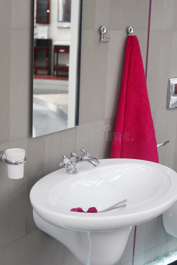 Water Sink And Towel Royalty Free Stock Photos