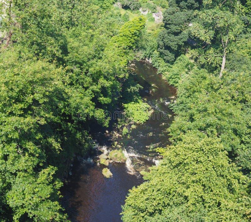 Water van Leith-rivier in Dean dorp in Edinburgh stock foto