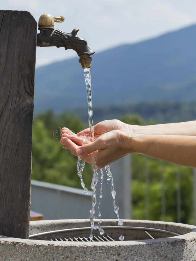 Water van pijp royalty-vrije stock afbeeldingen