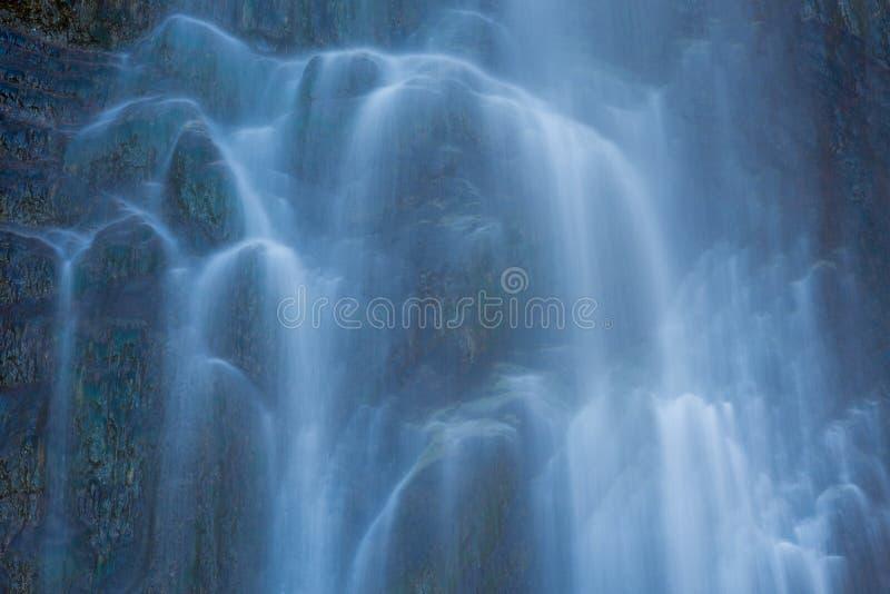 Waterdetail bij Sorrosal-waterval in Broto, Huesca stock afbeelding