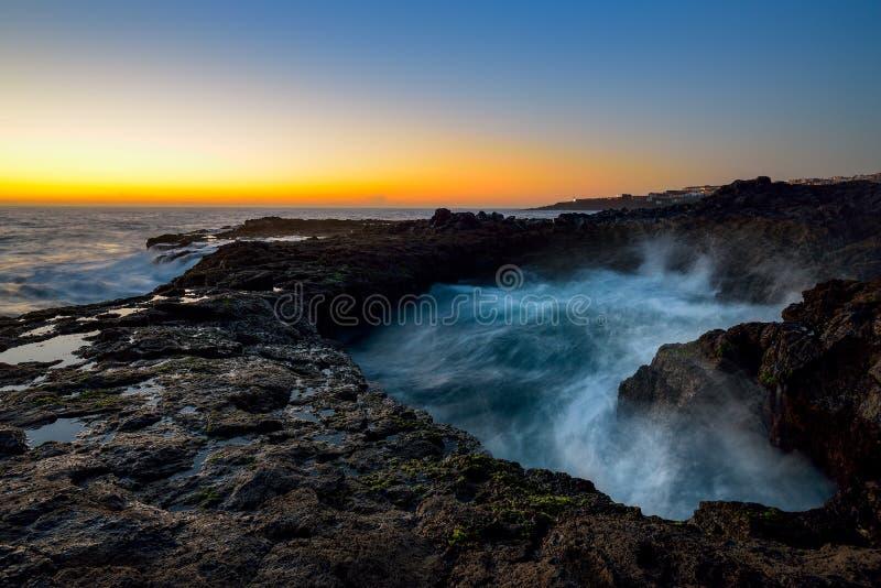 Waterdraaikolk, Bufadero DE La Garita, Telde, Gran Canaria, Spanje royalty-vrije stock afbeelding