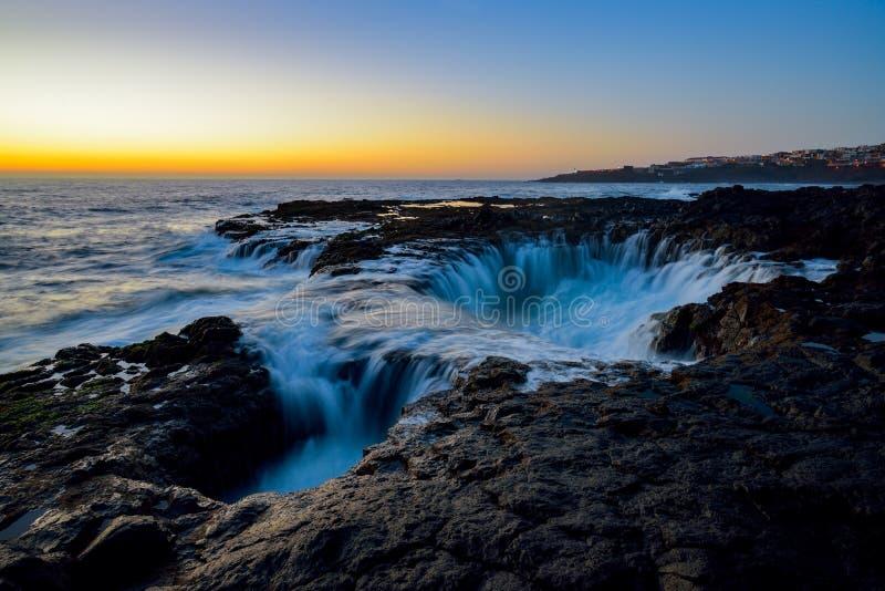 Waterdraaikolk, Bufadero DE La Garita, Telde, Gran Canaria, Spanje royalty-vrije stock foto
