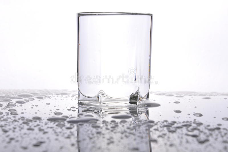 Waterdrops на таблице стоковое фото