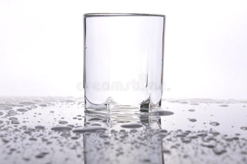 Waterdrops sur la table photo stock