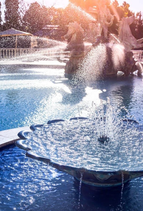 Watereigenschap met pool stock foto