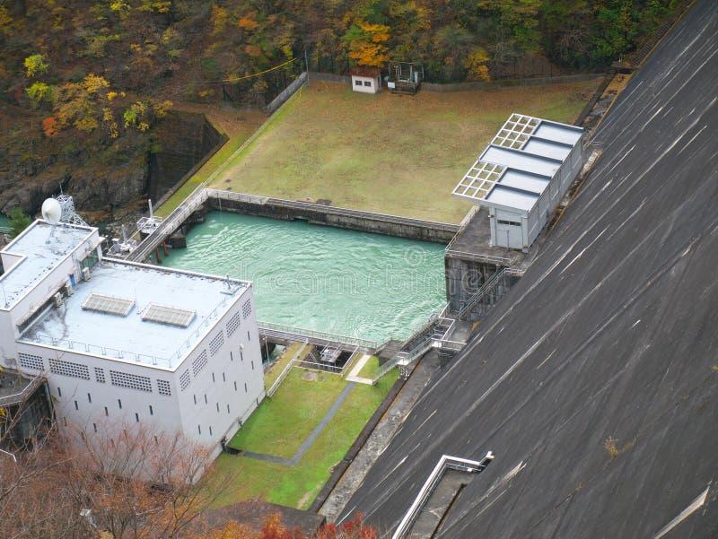 Waterelektrische centrale bij Ogochi-Dam of Meer Okutama stock foto