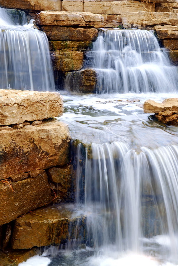 Free Waterfall Royalty Free Stock Photography - 2370267