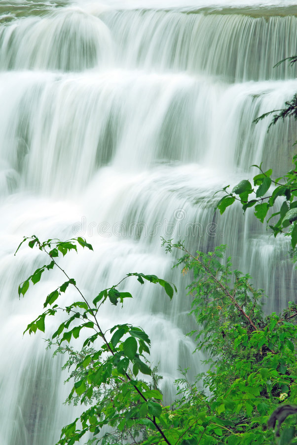 Free Waterfall Royalty Free Stock Image - 2594376