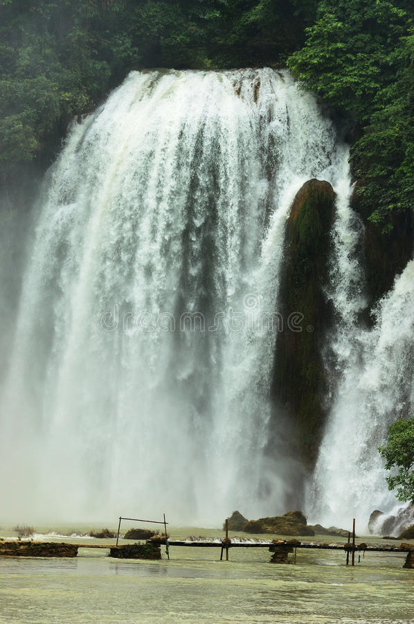 Download Waterfall stock image. Image of background, scenic, falls - 27672785