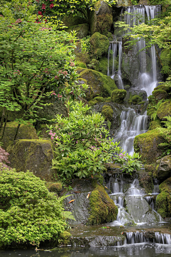Free Waterfall At Japanese Garden 2 Royalty Free Stock Photos - 14777158