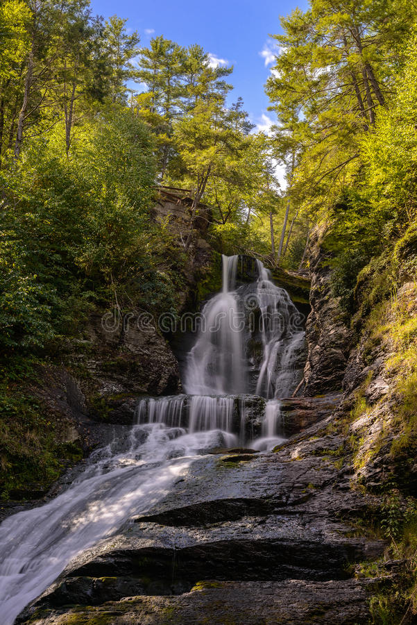 Download Waterfall stock photo. Image of cascade, leaf, exposure - 33482254