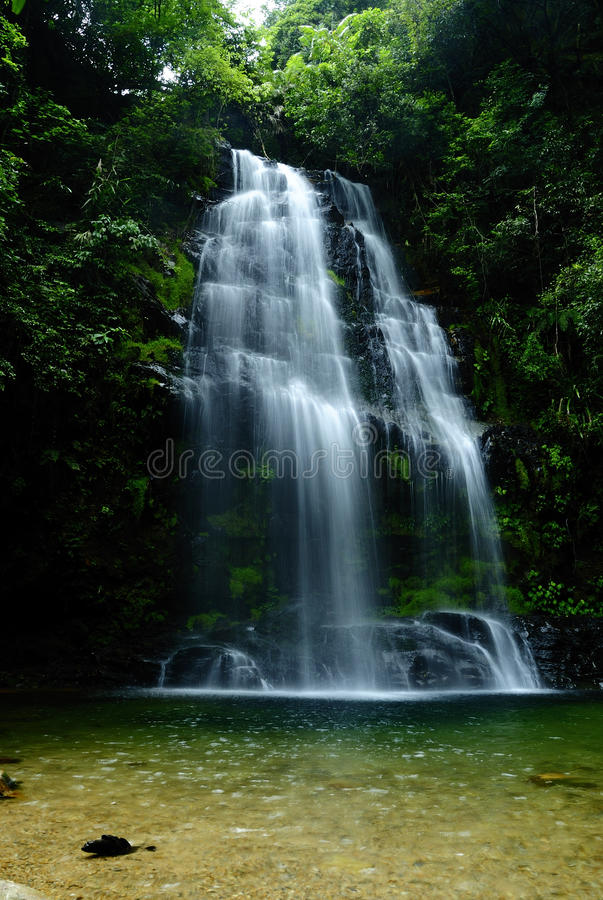 Waterfall in Ting-hu Mountain royalty free stock images