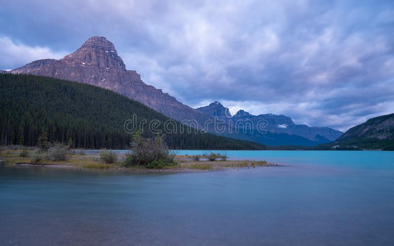 Waterfowl Lake, Banff National Park, Icefield Parkway, Alberta, Καναδάς στοκ εικόνες με δικαίωμα ελεύθερης χρήσης