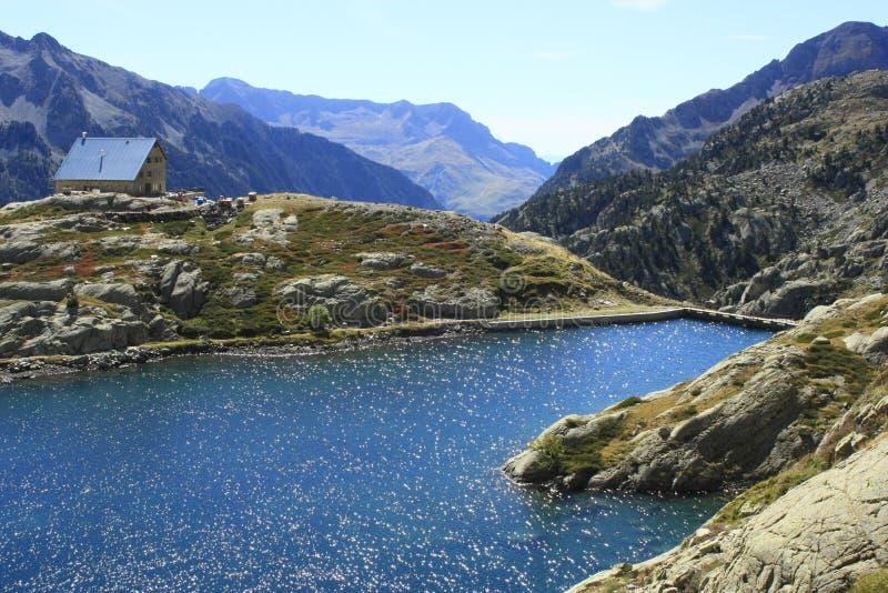 Waterfull nas montanhas no vale de Tena, Pyrenees Panticosa imagem de stock royalty free