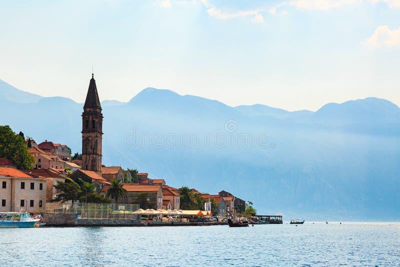 Waterkant van de oude stad van Perast in Baai van Kotor, Montenegro royalty-vrije stock afbeelding