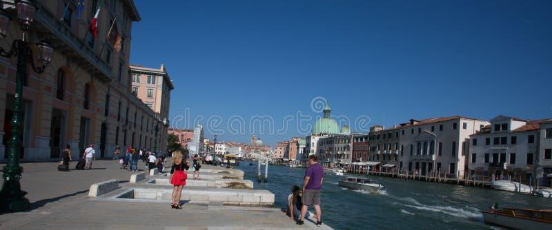 Download Waterkant Venetië stock foto. Afbeelding bestaande uit lagune - 54077456