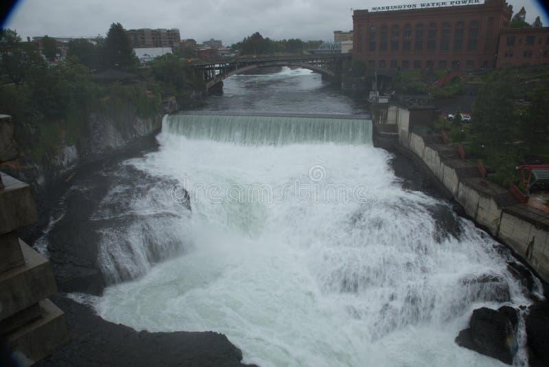 Waterkracht van de de rivier en waterval van Spokane stock afbeelding