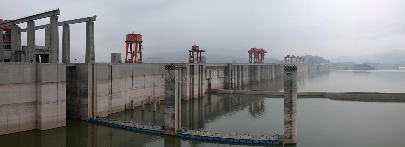 Waterkrachtcentrale Drie Klovendam op Yangtze-rivier in China royalty-vrije stock afbeeldingen