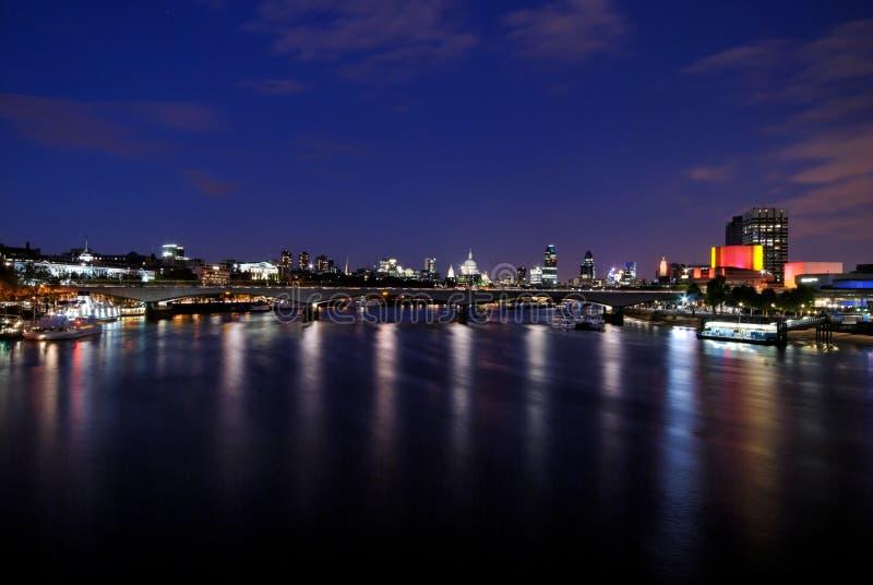 Waterloo-Brücke, London - 1 lizenzfreie stockfotos
