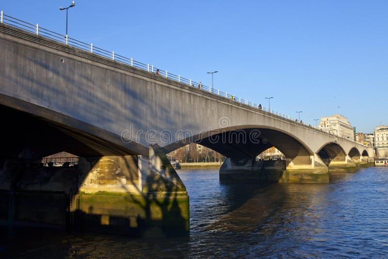 Waterloo-Brücke in London stockbilder