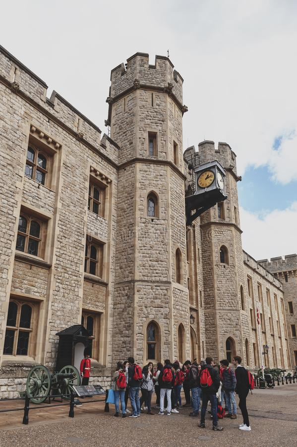 Waterloo de Blokbouw, trefpunt voor de Kroonjuwelententoonstelling in Toren van Londen, historisch kasteel en populaire toeristis stock foto's