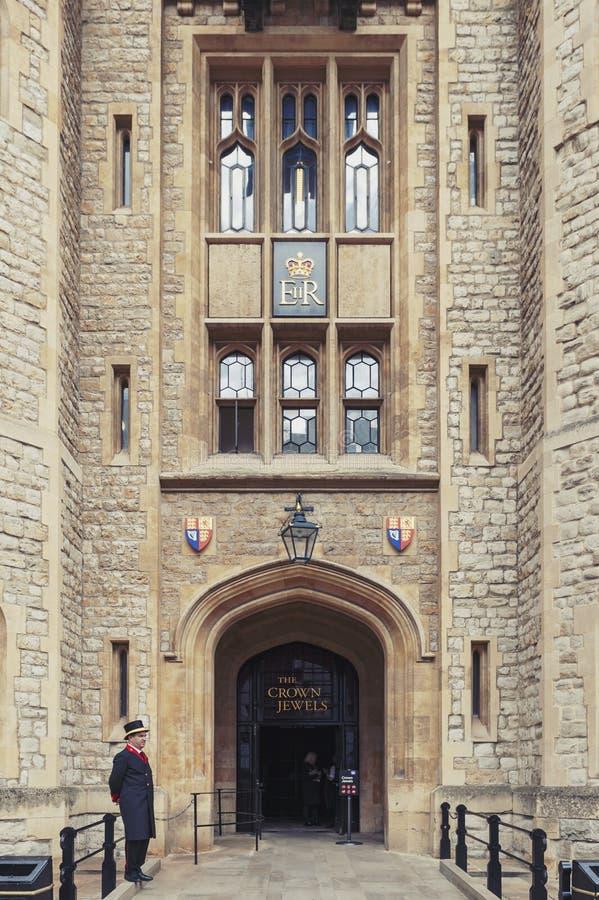 Waterloo de Blokbouw, trefpunt voor de Kroonjuwelententoonstelling in Toren van Londen, historisch kasteel en populaire toeristis stock foto