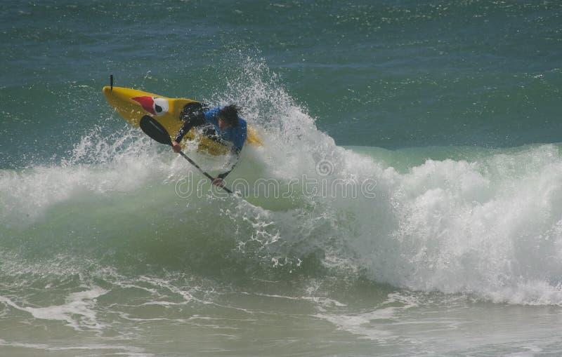 Waterman-Herausforderung - Kayaksurf - Mathieu jonneaux lizenzfreie stockbilder