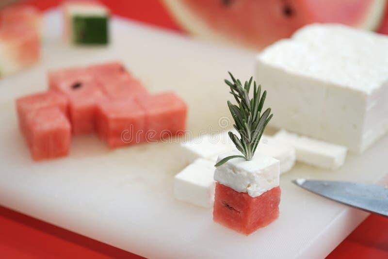 Watermeloen en feta-kaaskubussen stock afbeelding