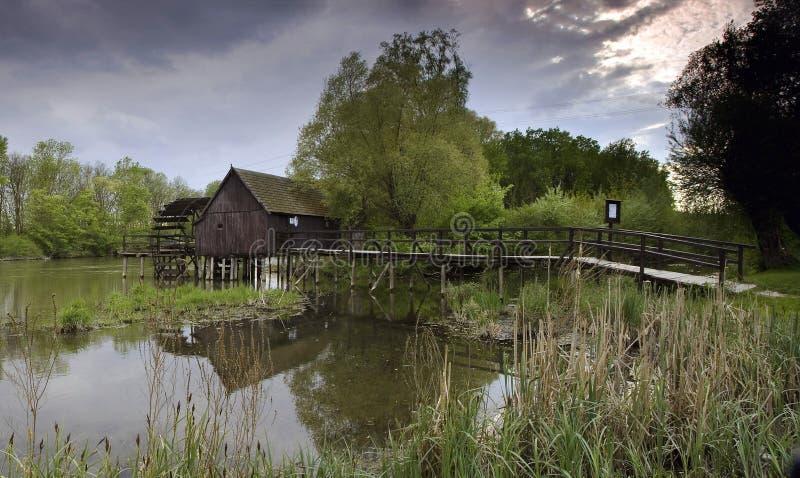 Watermill de madera foto de archivo