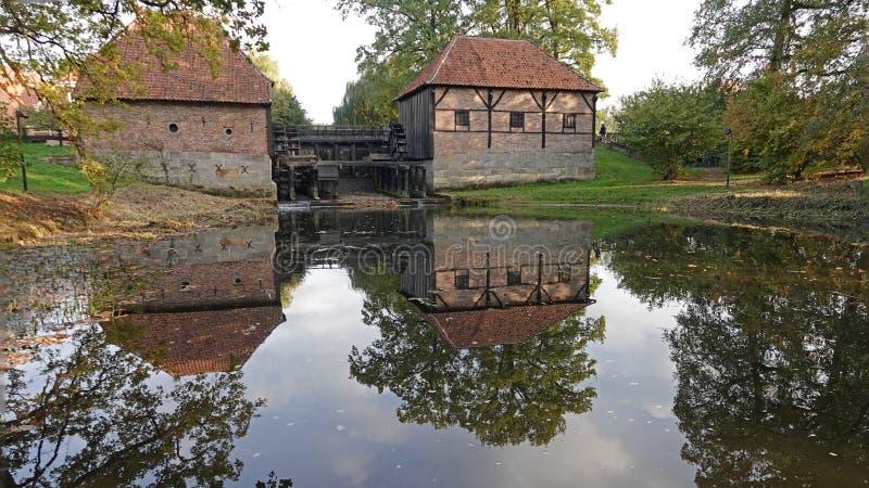 Watermill de Oostendorper em Haaksbergen, os Países Baixos foto de stock