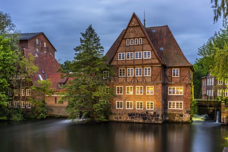 Watermill histórico velho em Luneburg imagem de stock