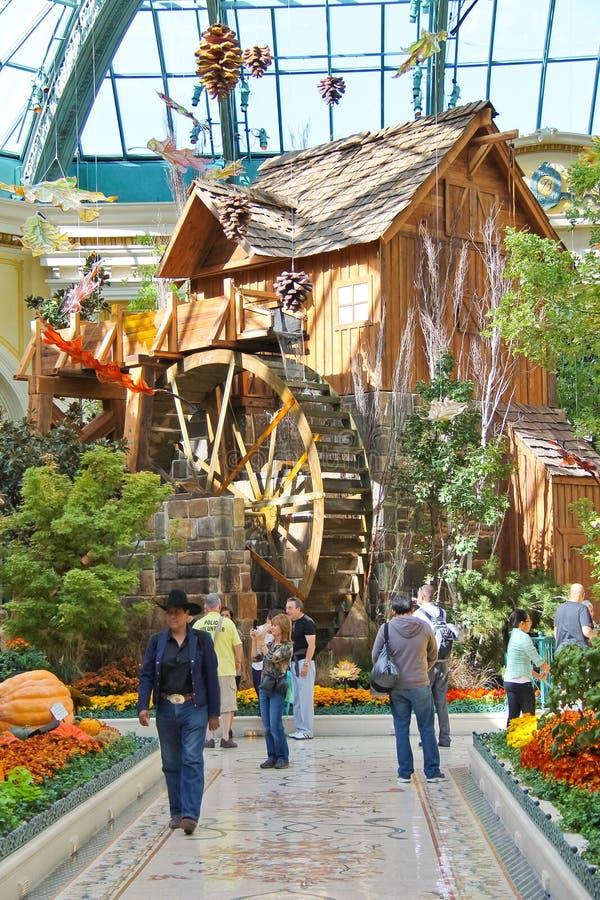 Watermill i ett växthus på det Bellagio hotellet i Las Vegas royaltyfria foton