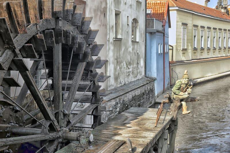 Watermill in Prag lizenzfreie stockfotos