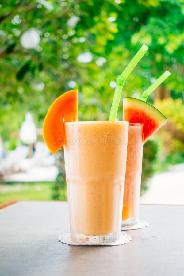 Watermon melonowa i owoc soku smoothies w szkle zdjęcia royalty free