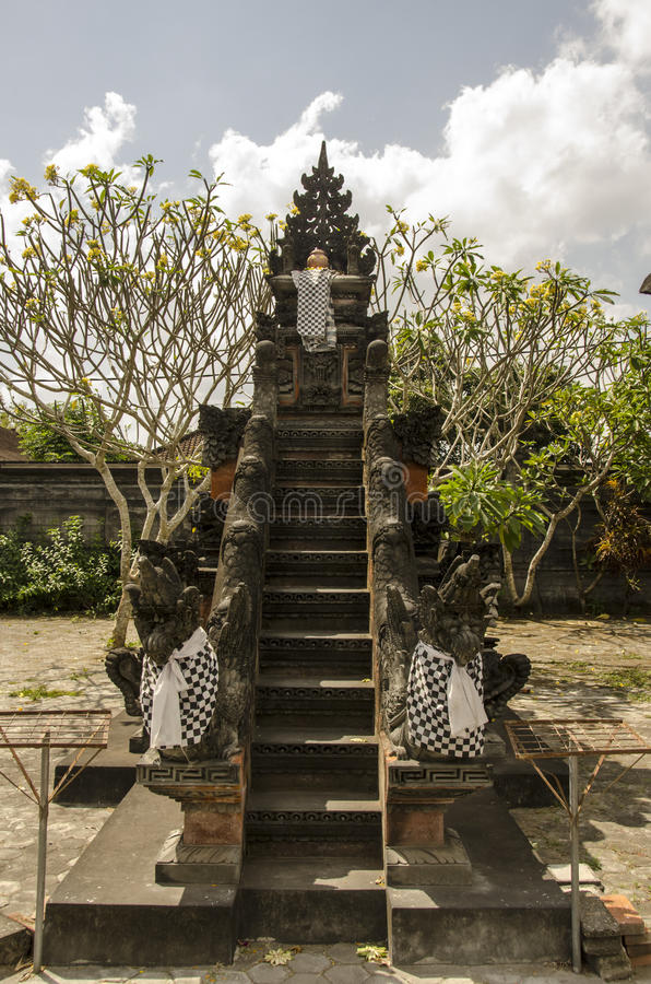 Waterpaleis, Boeddhistische tempel, Indonesië stock afbeeldingen
