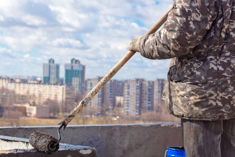 Waterproofing arbeten royaltyfri fotografi
