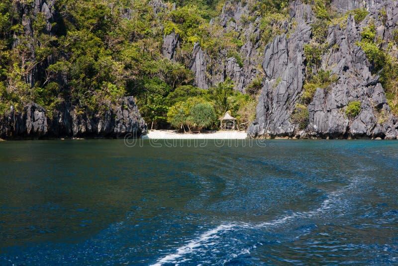 Waterscape, El Nido, залив Bacuit, остров Palawan, провинция Palawan, Филиппины стоковые изображения rf