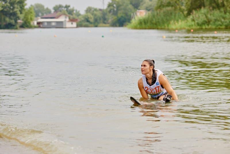 Waterskier после падать стоковое изображение