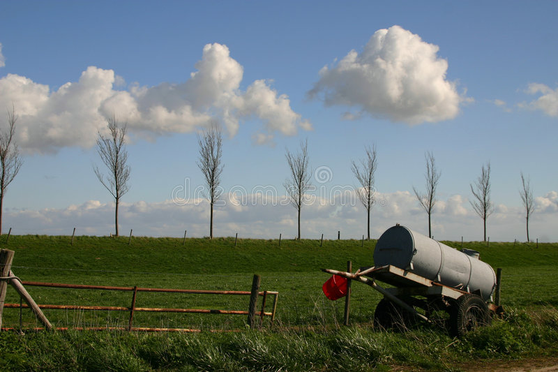 Download Watertank image stock. Image du pré, soufflement, hollandais - 734475