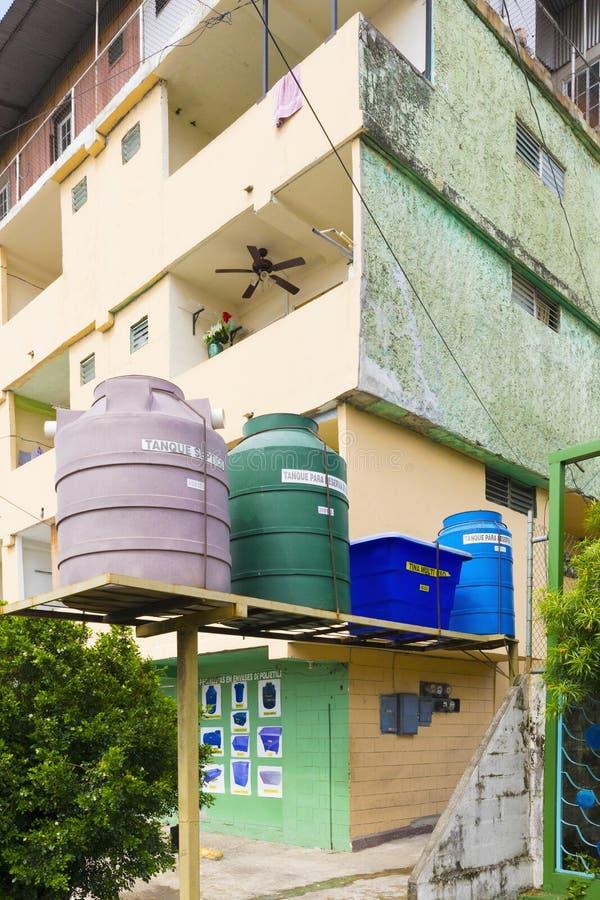 Watertanks in de Stad van Panama stock afbeelding