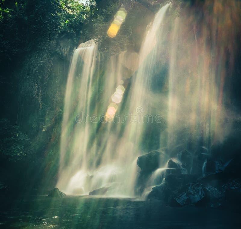 Waterval bij het Nationale Park van Phnom Kulen kambodja royalty-vrije stock afbeeldingen