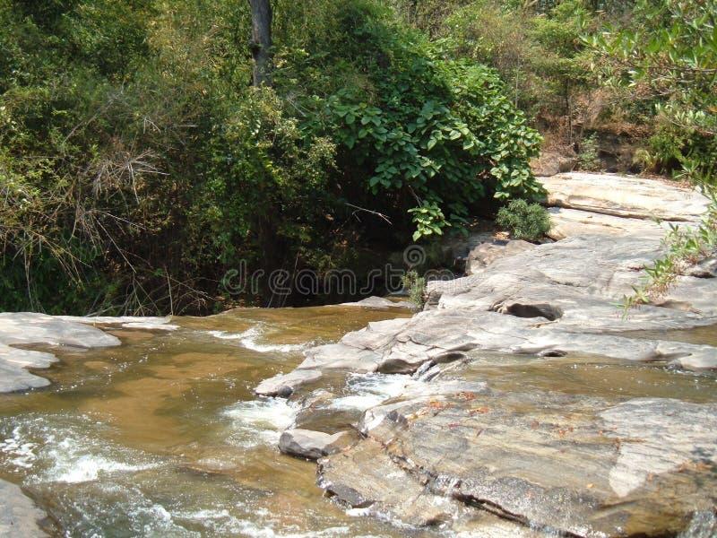 Waterval in chiangmai de reis van Thailand, Thailand stock foto's