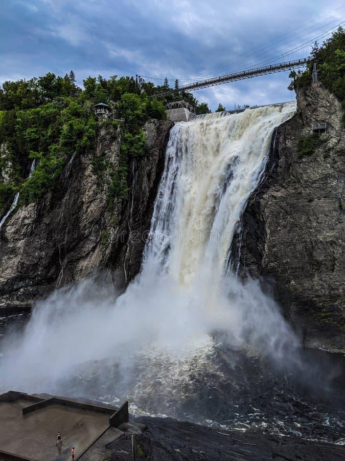 Waterval in de stad van Quebec stock foto's