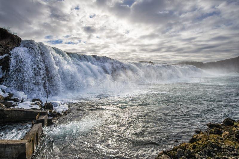 Waterval in een zalm visserijrivier royalty-vrije stock afbeelding